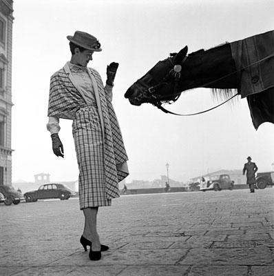 1951, Florence, first fashion photograph© Frank Horvat |  www.horvatland.com